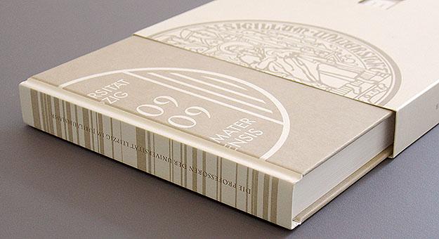 Buch und Schuber mit Siegel